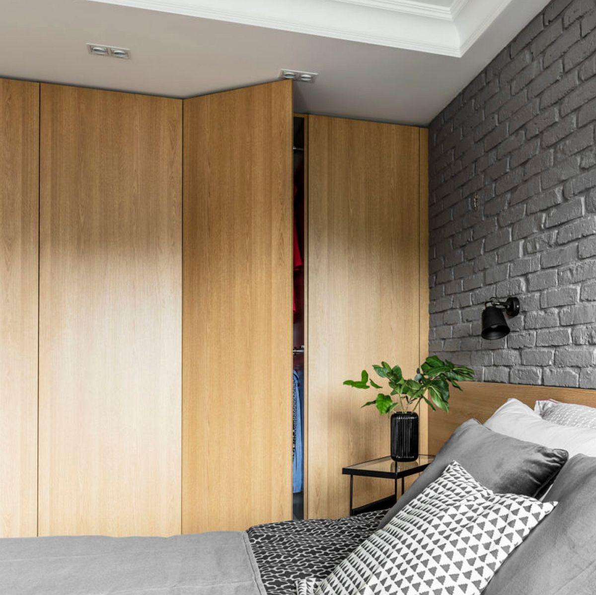 adelaparvu.com despre apartament 56 mp cu accente de rosu, design SAS Wnetrza i Kuchnie, Foto Strazynski Studio (17)