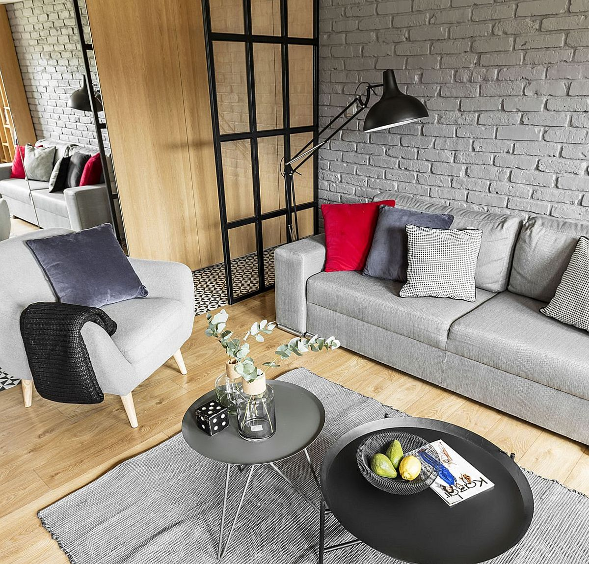 adelaparvu.com despre apartament 56 mp cu accente de rosu, design SAS Wnetrza i Kuchnie, Foto Strazynski Studio (3)