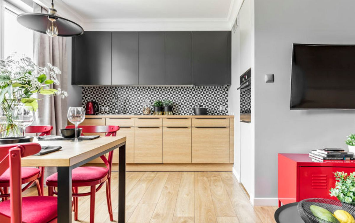 adelaparvu.com despre apartament 56 mp cu accente de rosu, design SAS Wnetrza i Kuchnie, Foto Strazynski Studio (6)