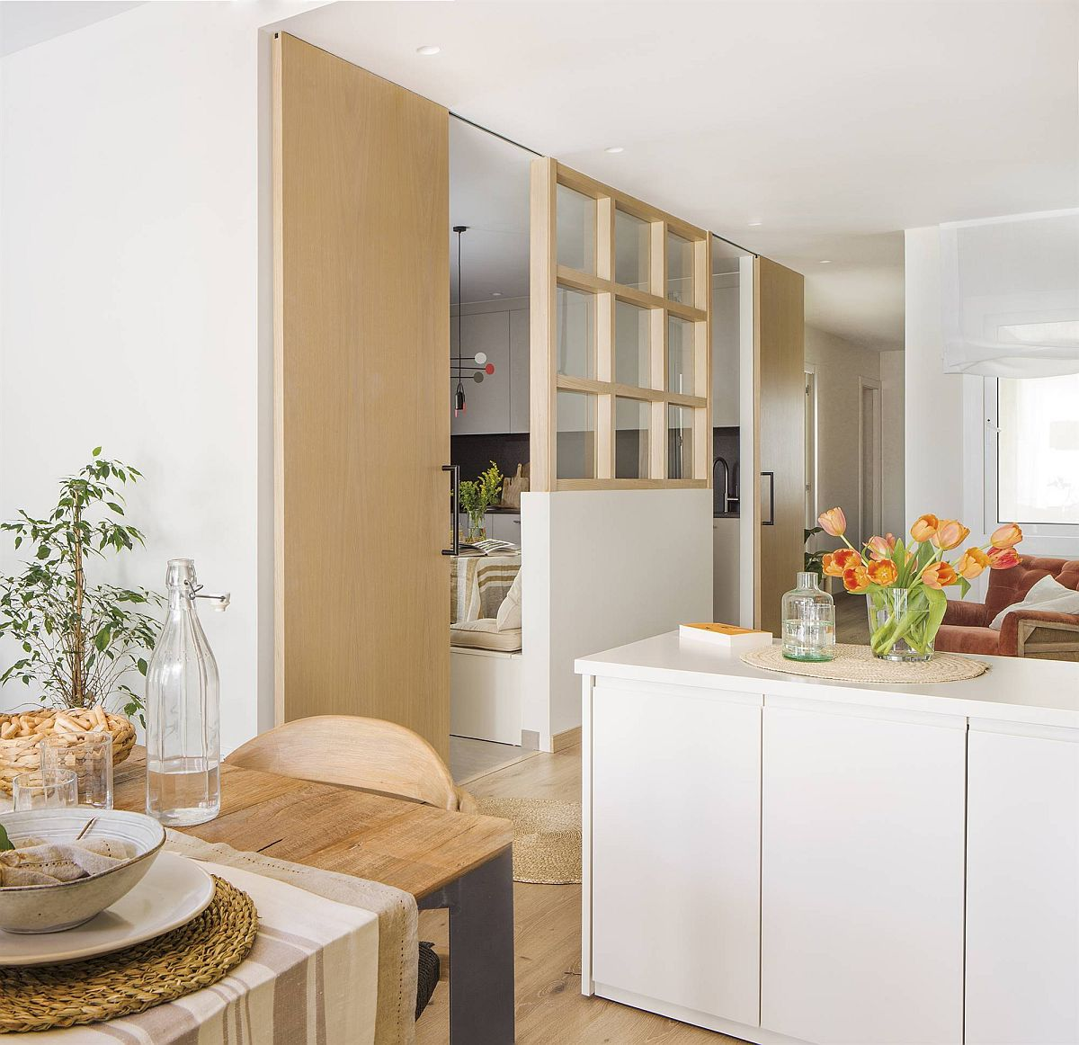 adelaparvu.com despre apartament cu bucatarie separata, design Paz de Tord, Foto Jordi Canosa (12)