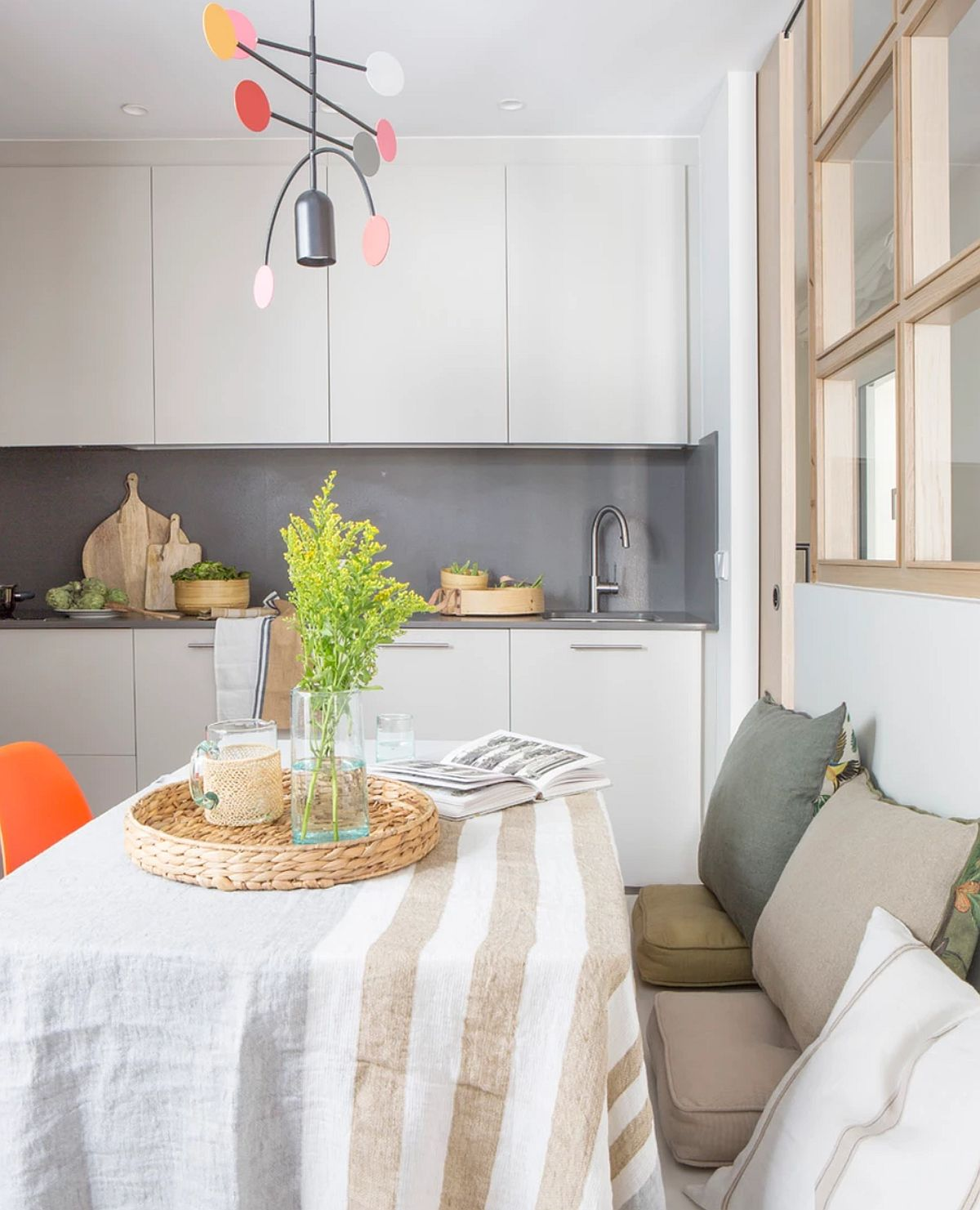 adelaparvu.com despre apartament cu bucatarie separata, design Paz de Tord, Foto Jordi Canosa (5)