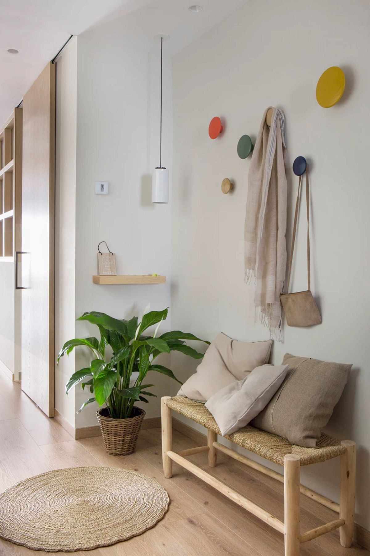 adelaparvu.com despre apartament cu bucatarie separata, design Paz de Tord, Foto Jordi Canosa (7)
