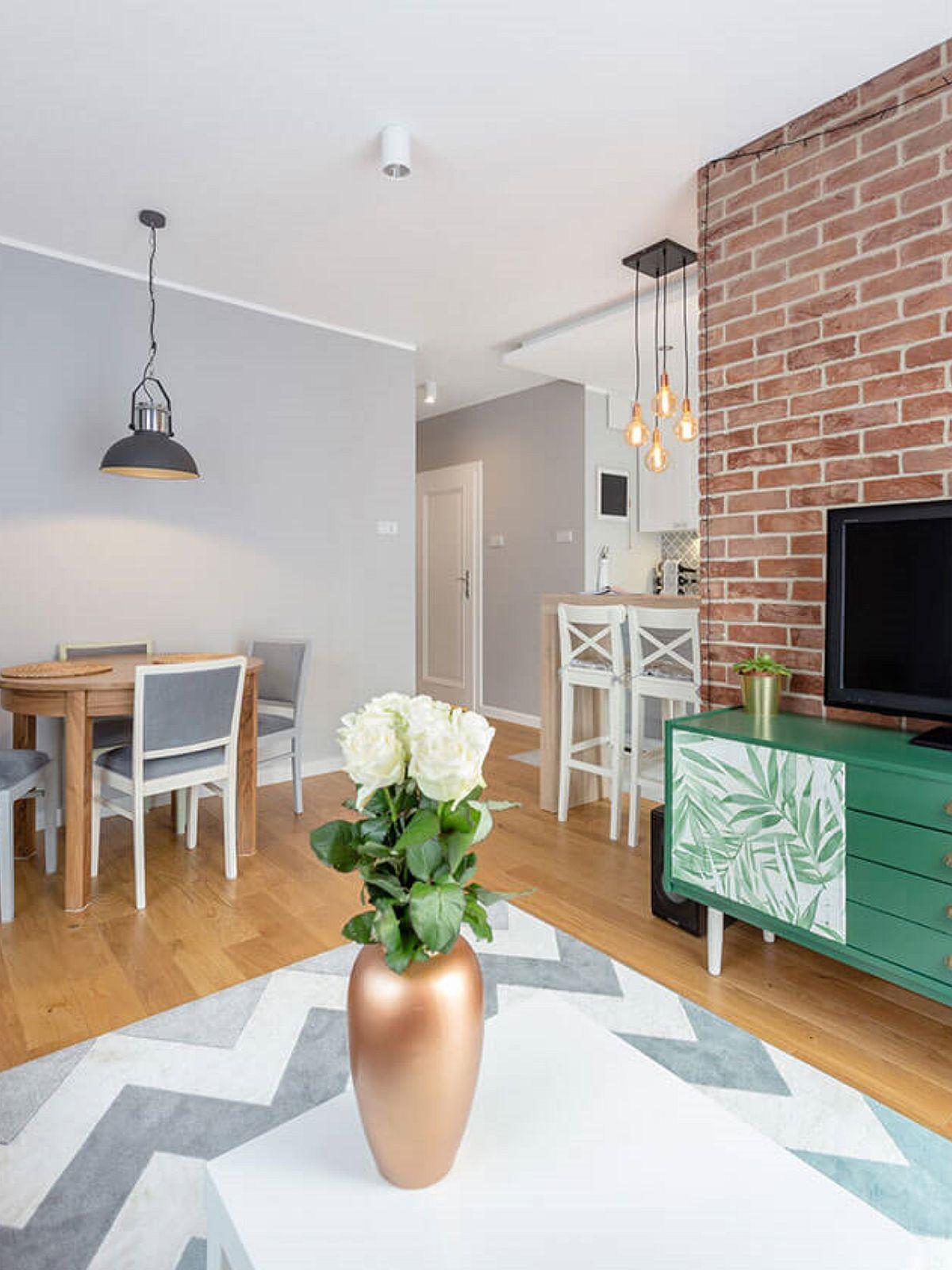 adelaparvu.com despre apartament de 2 camere luminos amenajat, design Kameleon, Foto Michal Mlynarczyk (3)