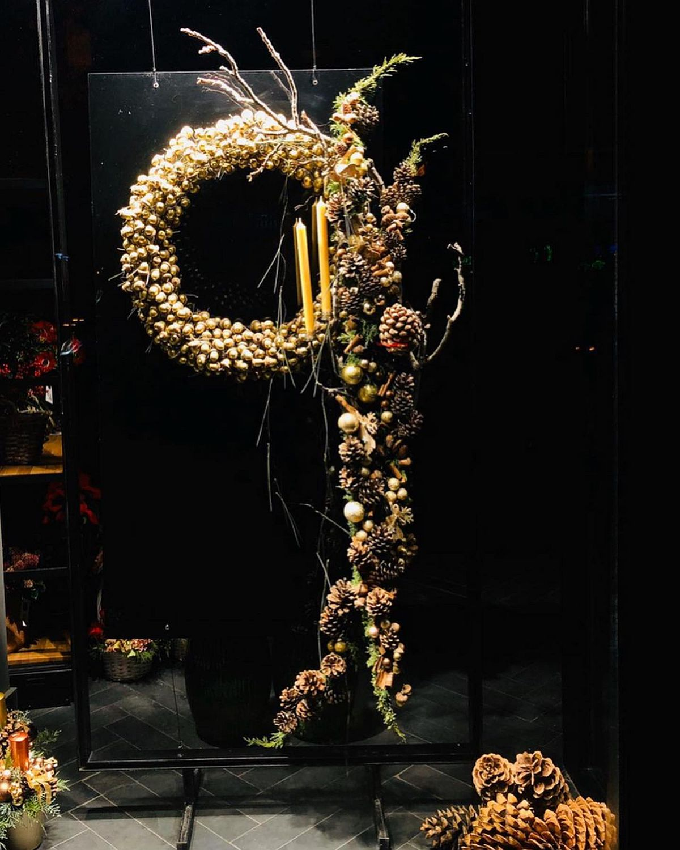 adelaparvu.com despre aranjamente si brazi Craciun, designer Nicu Bocancea, Foto Floraria Iris (1)