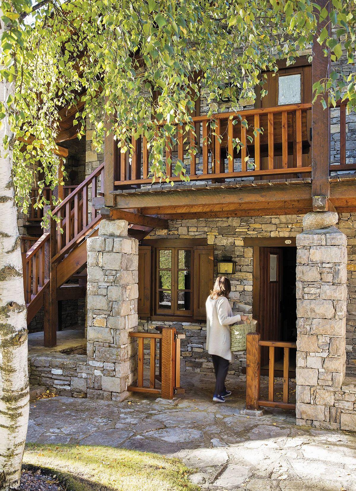 adelaparvu.com despre cabana la munte cu interior verde, design Jeanette Trensig, Foto ElMueble (1)