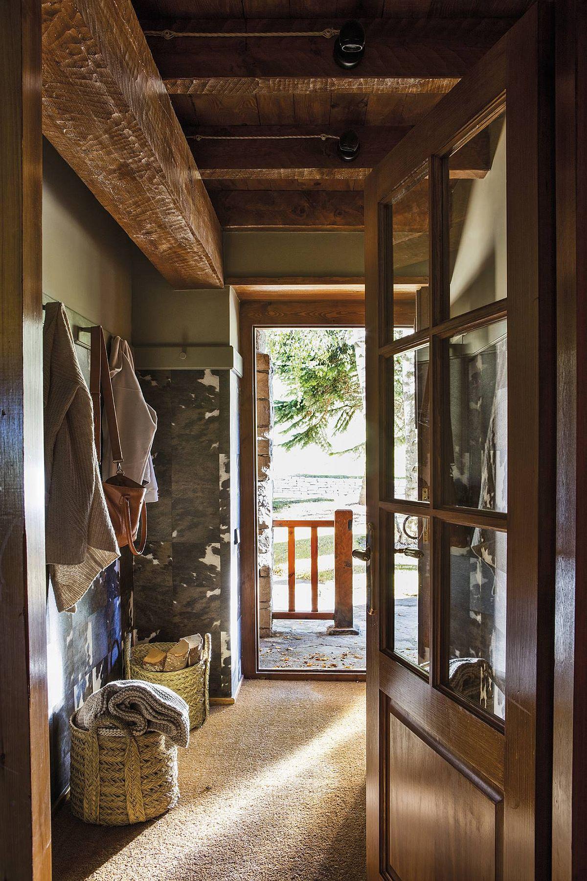 adelaparvu.com despre cabana la munte cu interior verde, design Jeanette Trensig, Foto ElMueble (4)