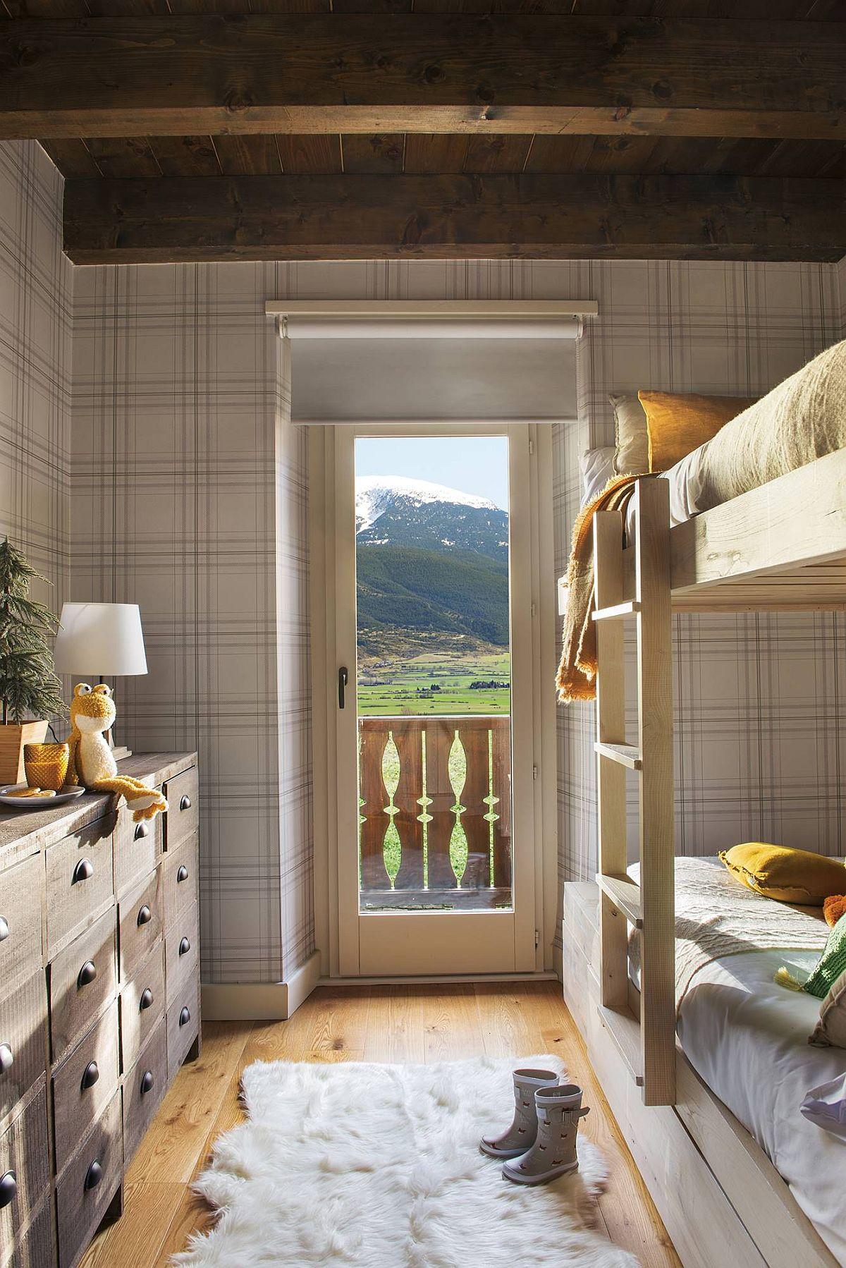 adelaparvu.com despre casa de vacanta cu lemn de castan, Pirinei, designer Juanma Alfonso, Luderna Design, Foto ElMueble (10)