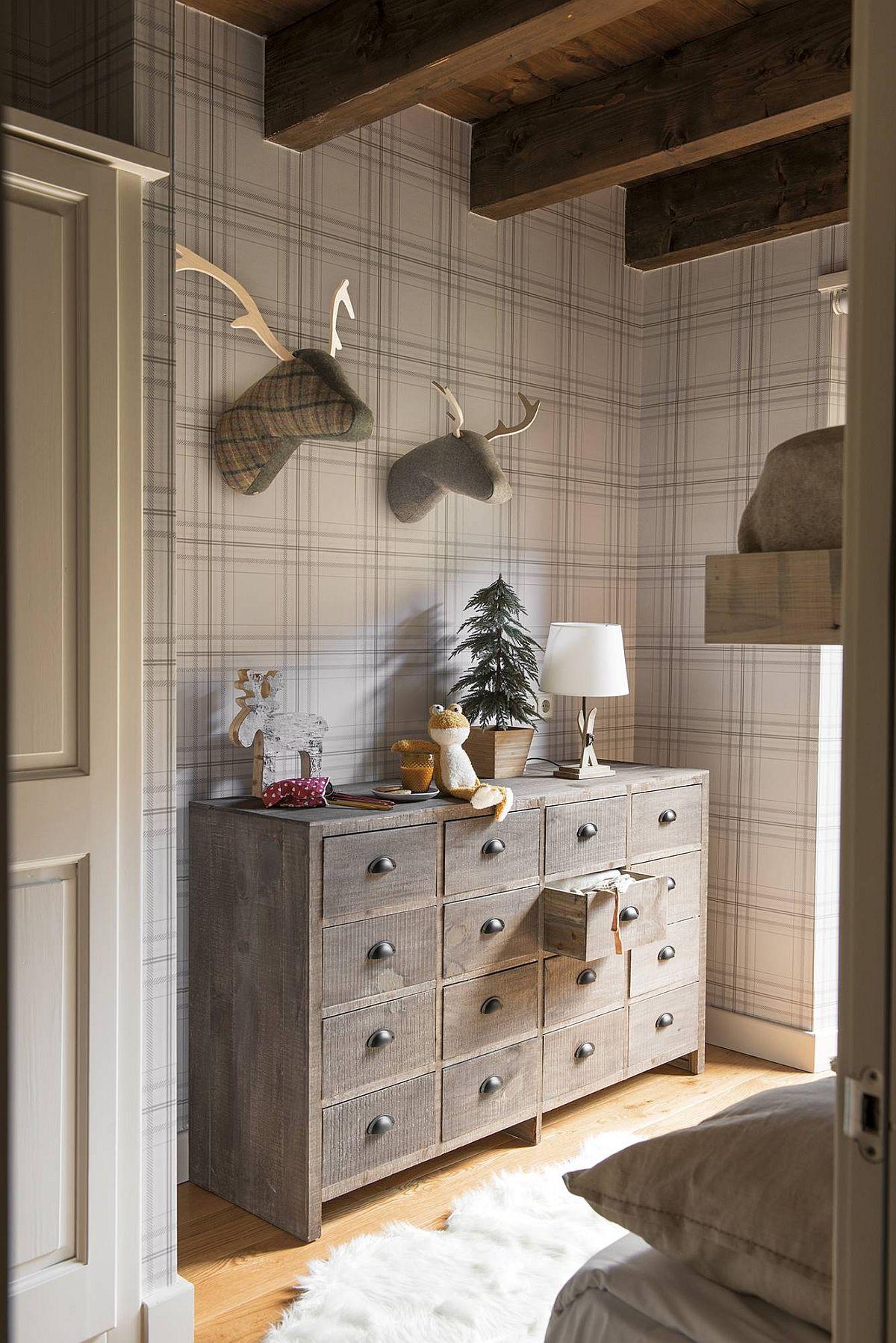 adelaparvu.com despre casa de vacanta cu lemn de castan, Pirinei, designer Juanma Alfonso, Luderna Design, Foto ElMueble (12)