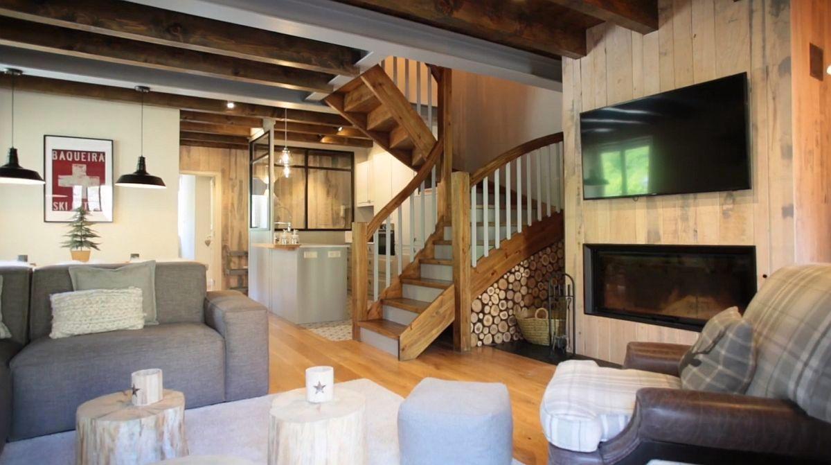adelaparvu.com despre casa de vacanta cu lemn de castan, Pirinei, designer Juanma Alfonso, Luderna Design, Foto ElMueble (5)