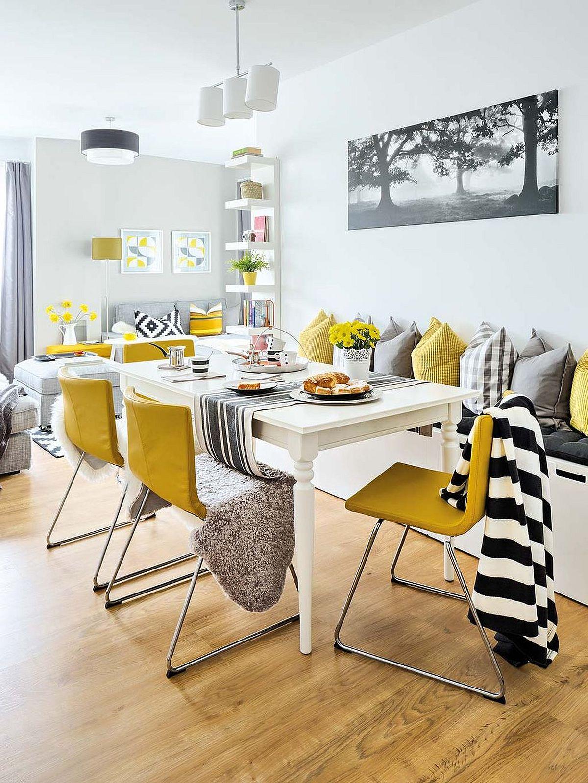 Designerii au mizat pe simplitate: pereți albi, parchetul existent inițial fiind păstrat, astfel că prin piese mici de mobilier (scaune) și decorațiuni au adus culoare, dar și imprimeuri, deci mai multă vivacitate. Au completat fiecare zonă cu decorațiuni bine alese, cum ar fi tabloul deasupra banchetelor, suficient de neutru, grafic și potrivit pentru familie.