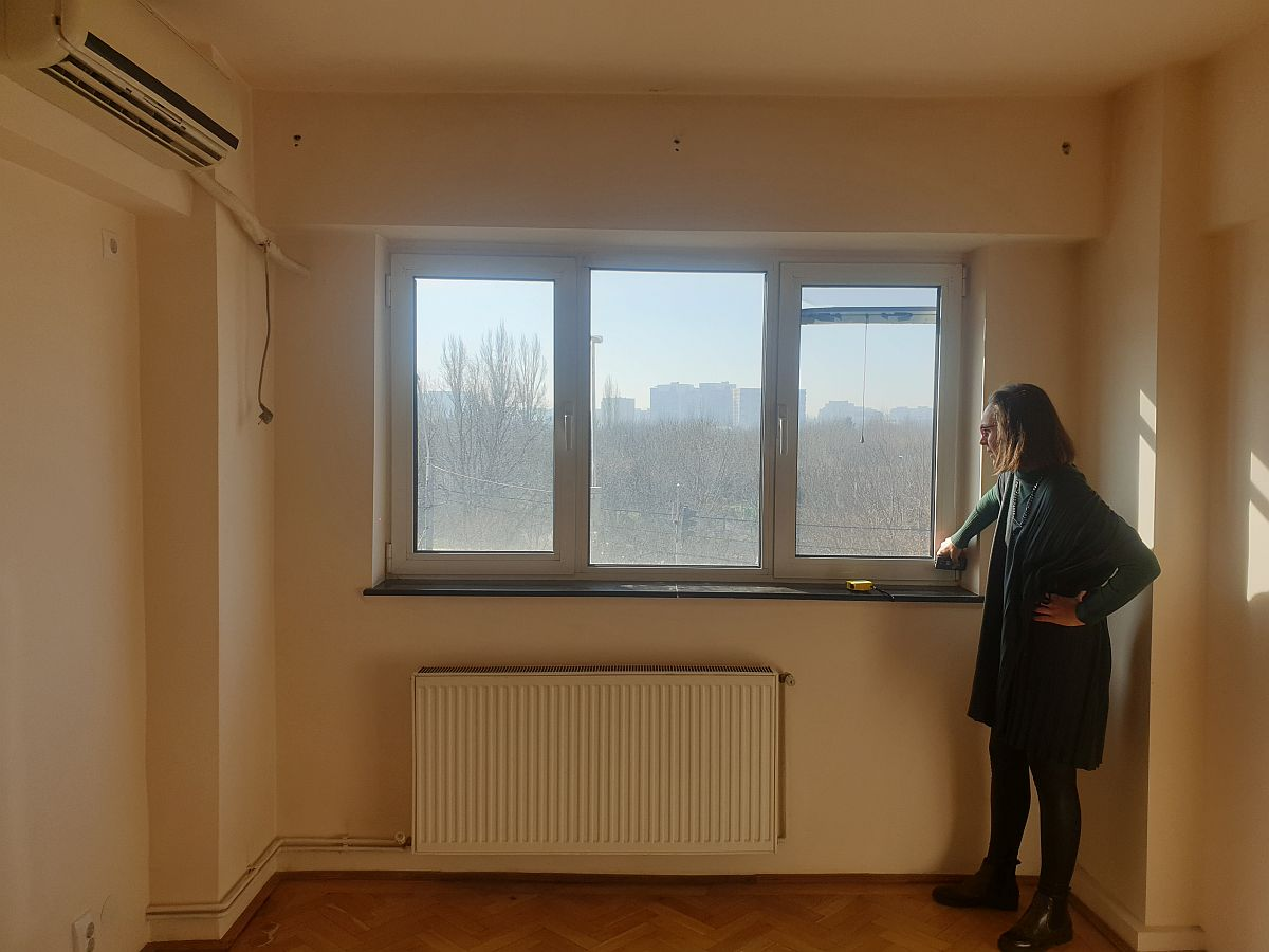 La măsurători într-un apartament din București, chiar înainte de declanșarea stării de urgență. M-am decis să-mi continui munca de acasă pentru faza de proiectare, așa cum au decis și colegii mei.