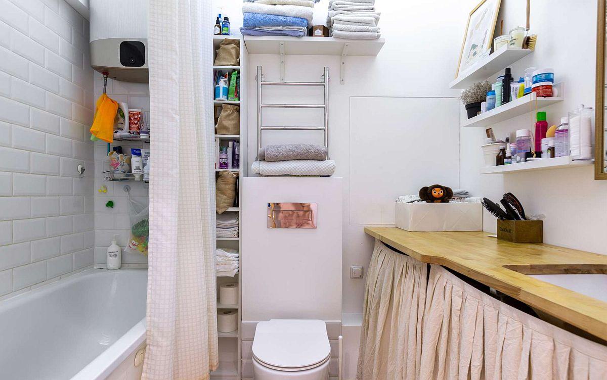 Baia a fost reoganizată astfel ca sub blatul lavoarului să existe loc pentru mașina de spălat rufe. Cada a fost și ea schimbată, iar pereții din jurul ei placați cu faianță, însă în rest pereții sunt zugrăviți cu vopsea lavabilă.