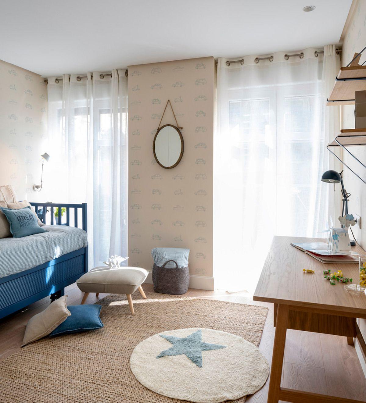 Camera copilului este mică, dar luminoasă, grație celor două ferestre. Ambientul este gîndit temperat pentru ca el să fie vieabil și când cel mic va crește.